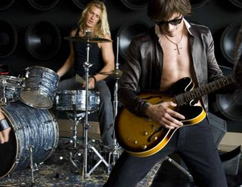 ROCK STAR EXPERIENCE (Bed+Breakfast+8 hours Car rental service)