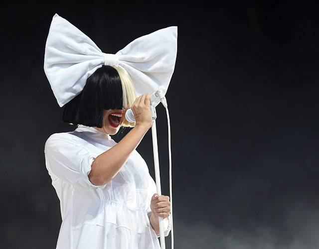 Tribute-to-SIA