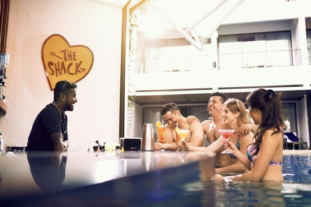 hard-rock-hotel-penang-bar-theshack
