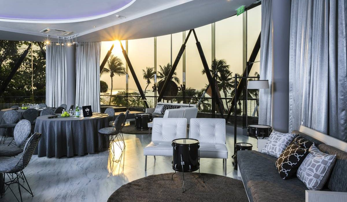 The Drum Room - Evening Meeting & Lounge