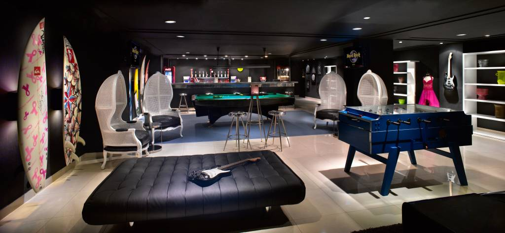 Tabu Lounge Area