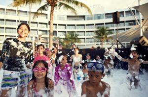 Kids fun at the foam party_website